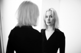 Freshly Squeezed - Phoebe Bridgers by Frank Ockenfels